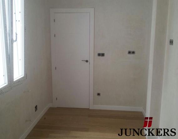 instalacion tarima maciza junckers y puertas lacadas
