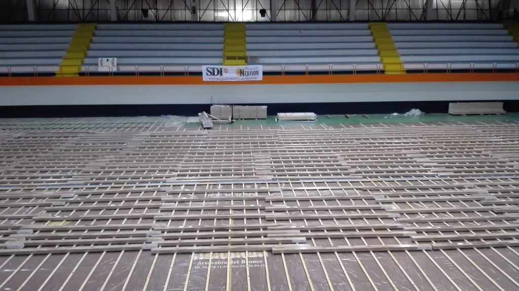 rastrelado pavimento deportivo viveiro