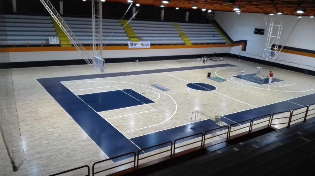 pintado pavimento deportivo